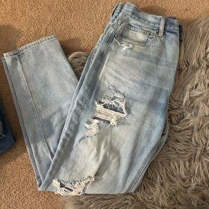 AE light wash Mom Jeans